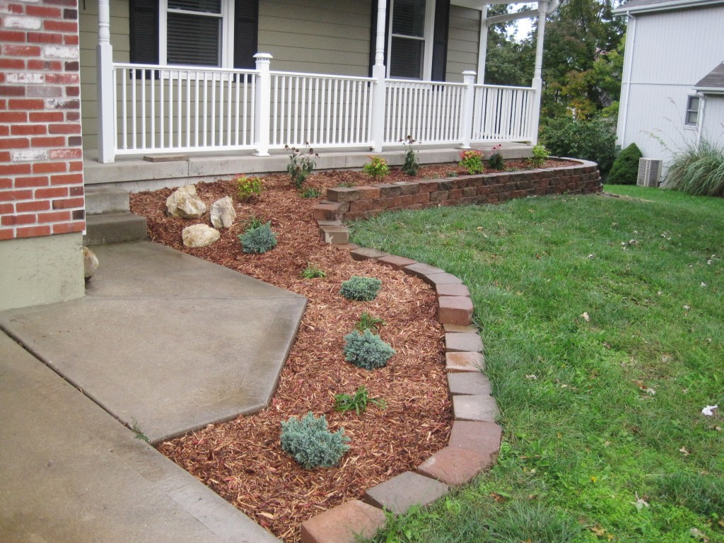 Finished Front Landscaping 2