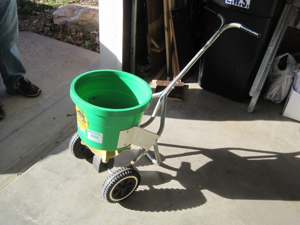 Goodwill Lawn Seed Spreader