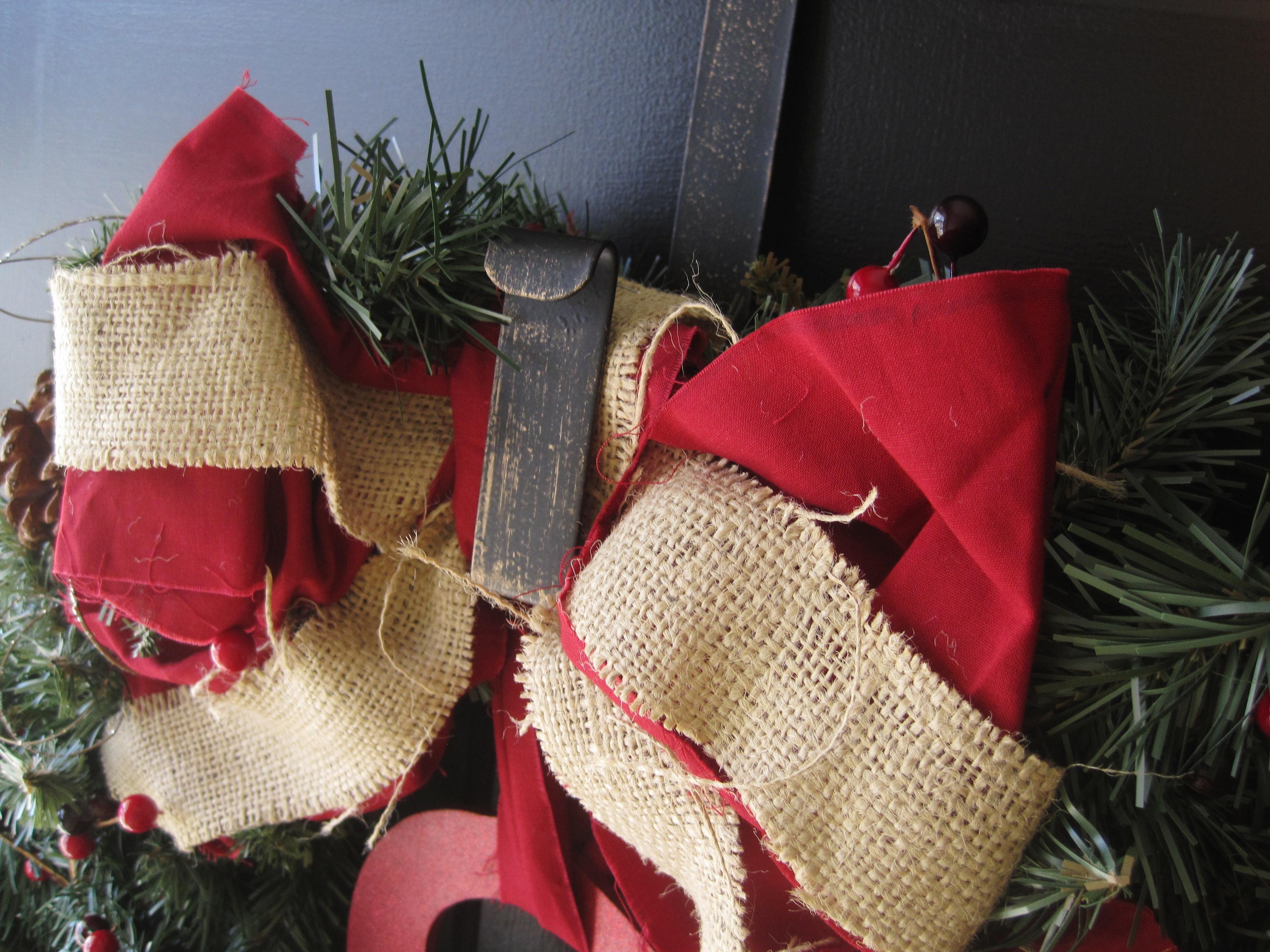 The Winning Wreath (EASY DIY Monogram Holiday Wreath ...