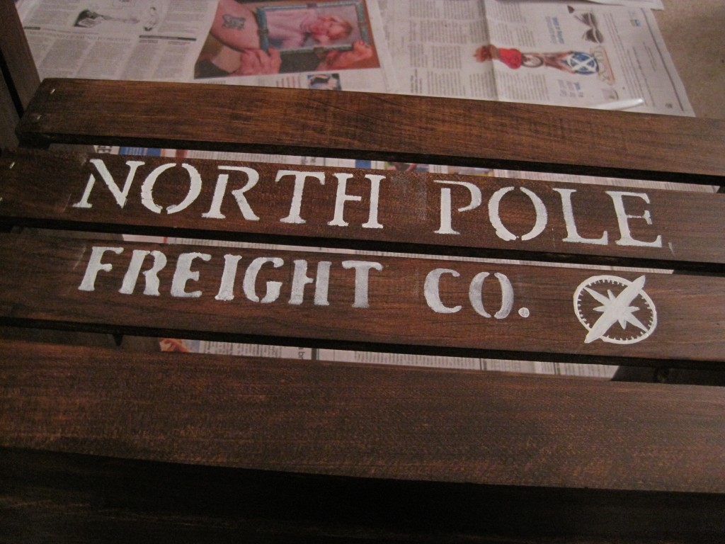 DIY North Pole Shipping Crate Stencil,3