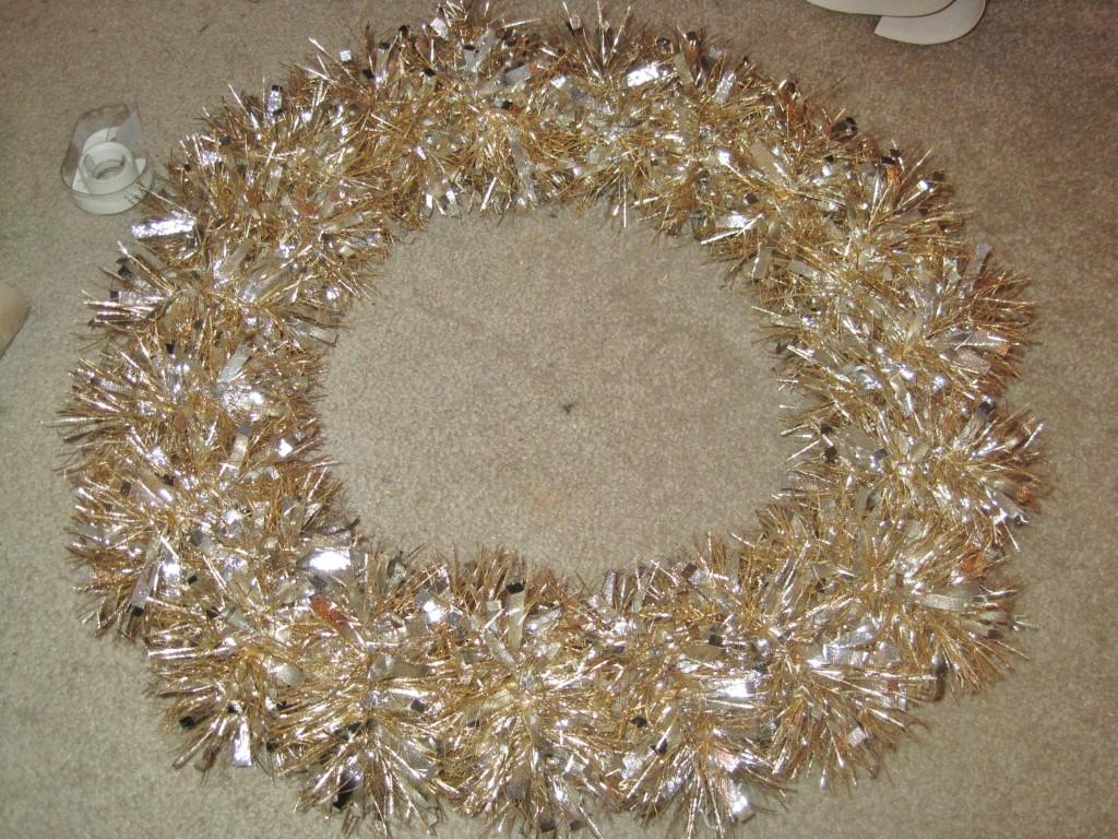 Toilet Paper Tube Christmas Wreath 6
