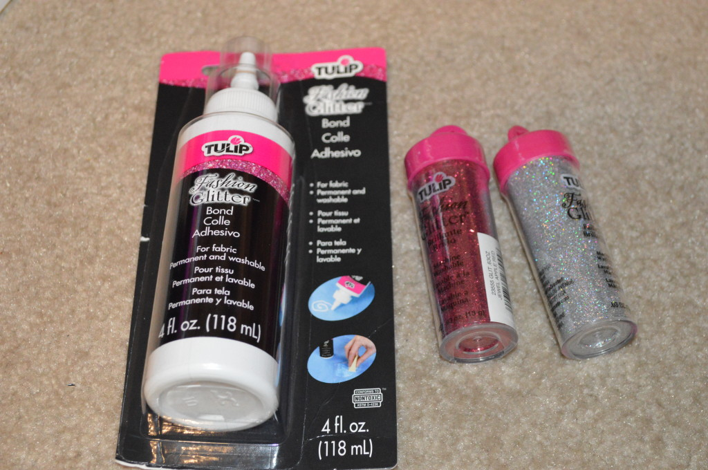 Fabric glitter and glue