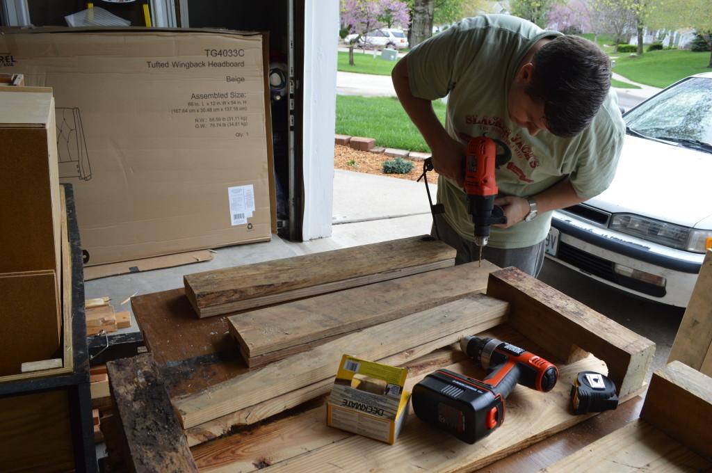 DIY Pallet Garden Beds 9