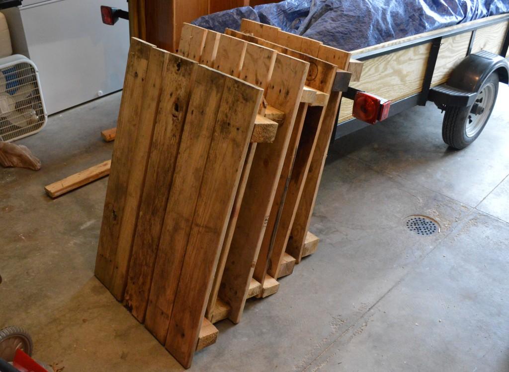 Making DIY Pallet Garden Beds Before