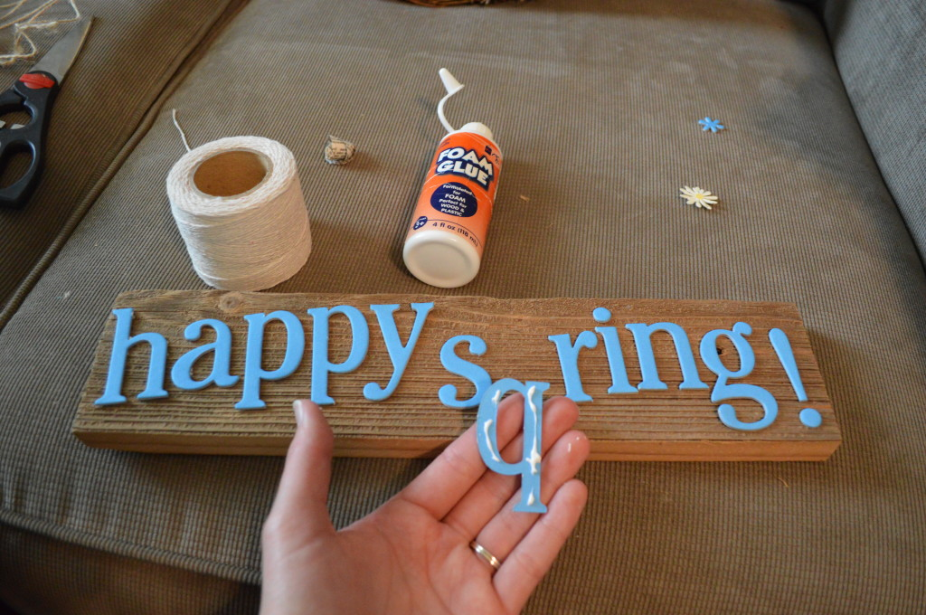 DIY Spring Wreath Making Wooden Sign 2