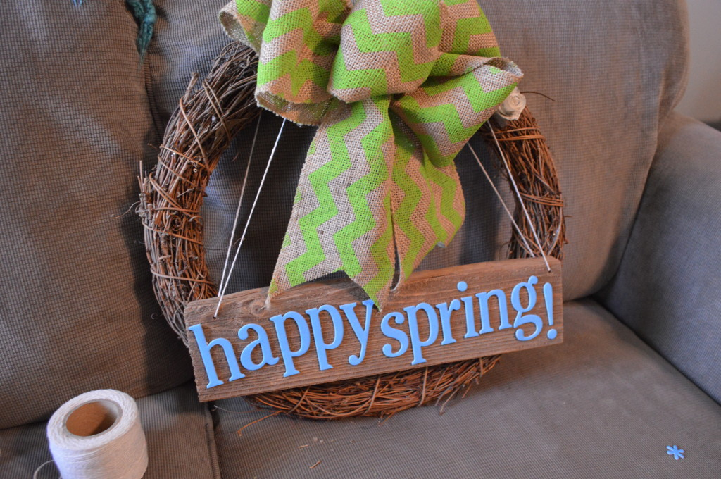 DIY Spring Wreath Wooden Sign