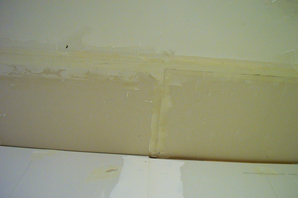 Drywall Tape and Mud on Ceiling