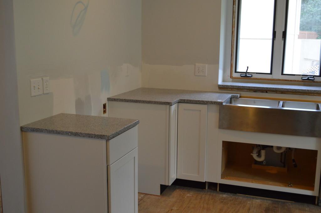 New Granite Kitchen Counter Top 8