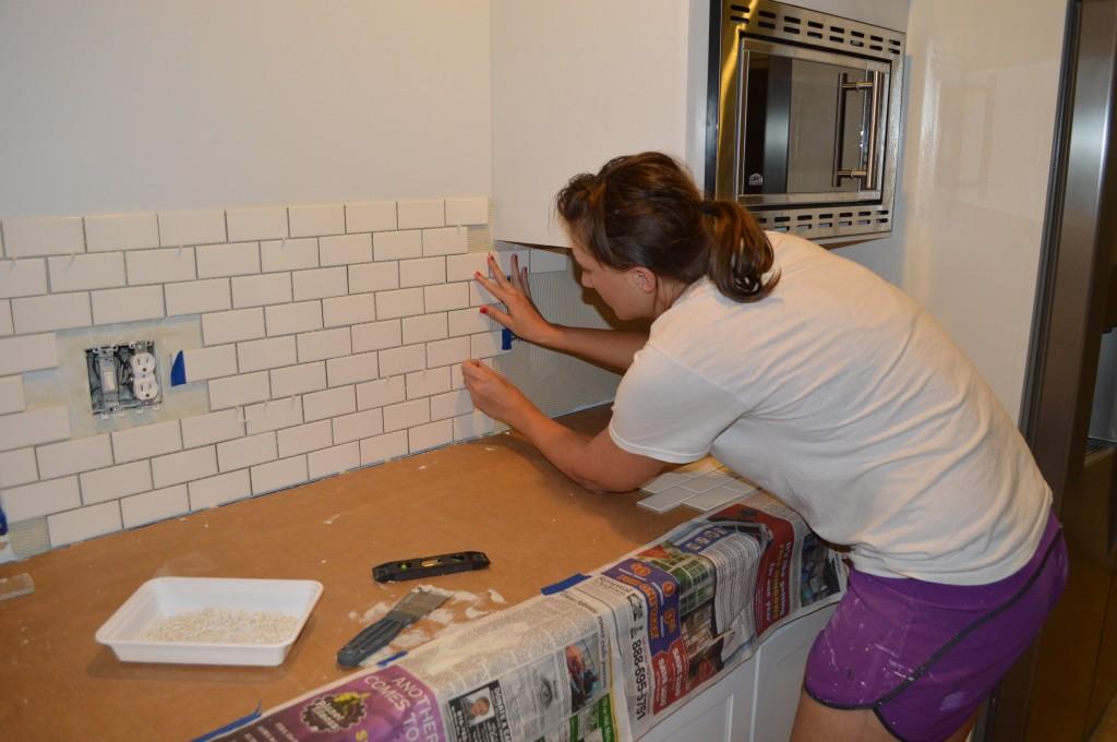 Applying Kitchen Backsplash Tile