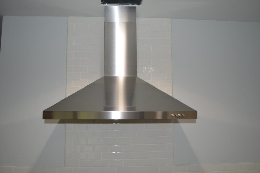 Installed Range Hood in Kitchen 3