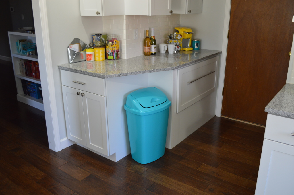 Painted Trash Can in Kitchen 2