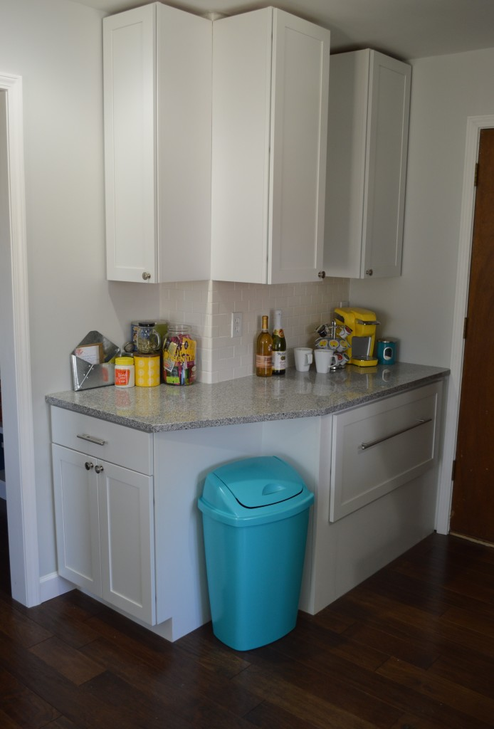 Painted Trash Can in Kitchen Nook