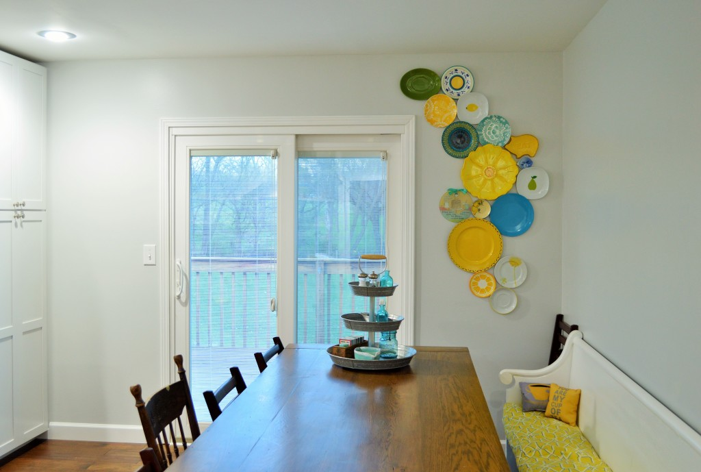 DIY Kitchen Plate Wall Finished 2