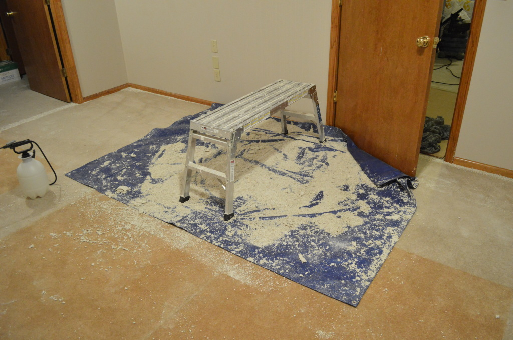 Removing Popcorn Ceilings Guestroom Mess 2