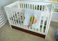 Assembled Crib with Quilt