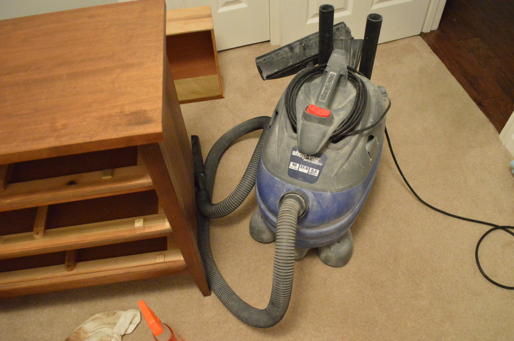 Cleaning Dresser with Vacuum