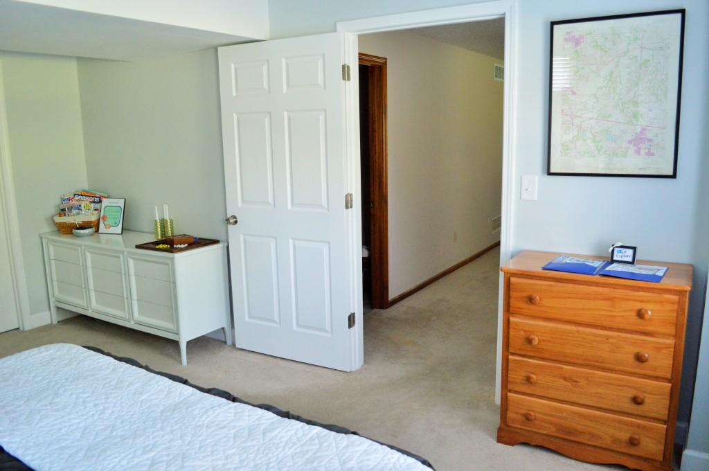 Guest Room Dresser Decor