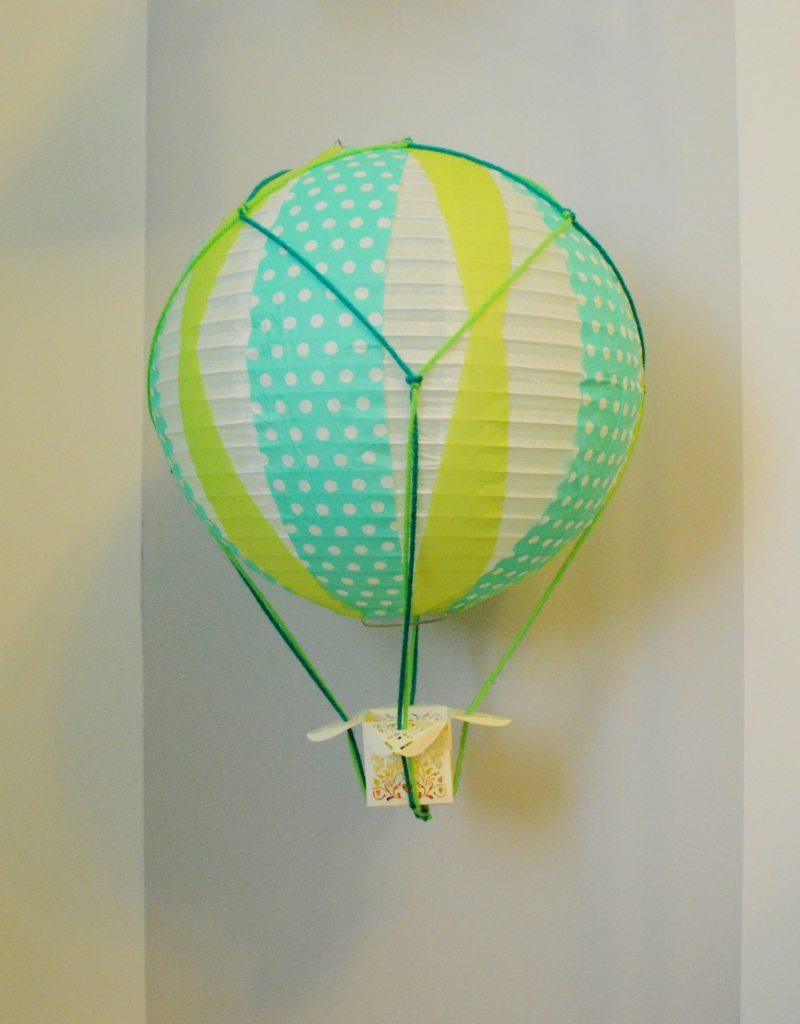 DIY HOT AIR BALLOON FROM PAPER LANTERN 2