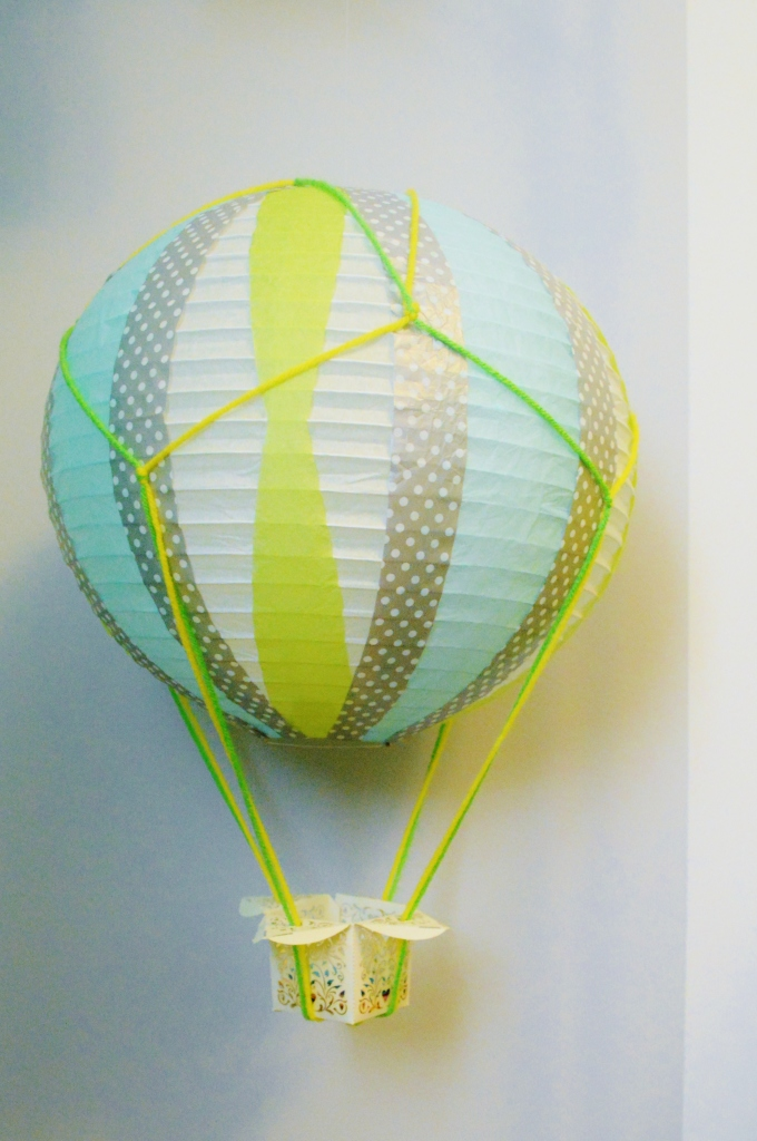DIY HOT AIR BALLOON FROM PAPER LANTERN