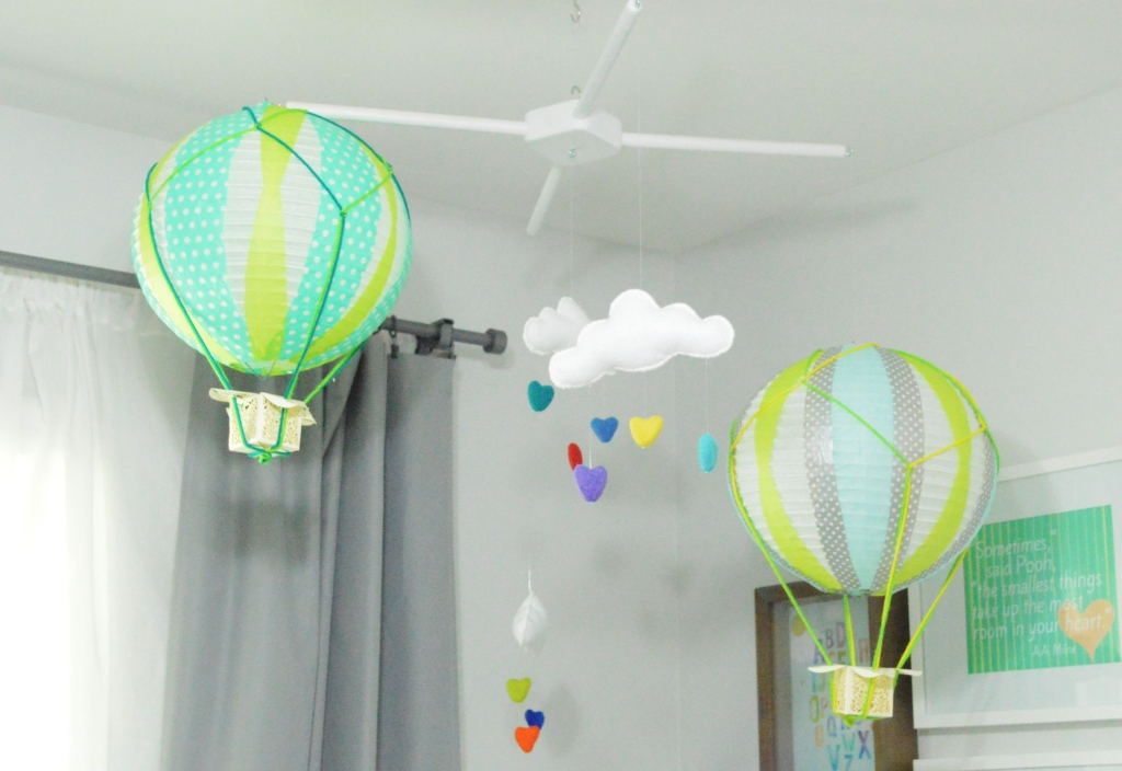 DIY Balloon and cloud mobile 2
