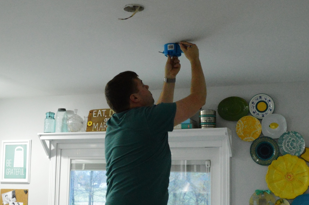 Installing dining table pendant lights