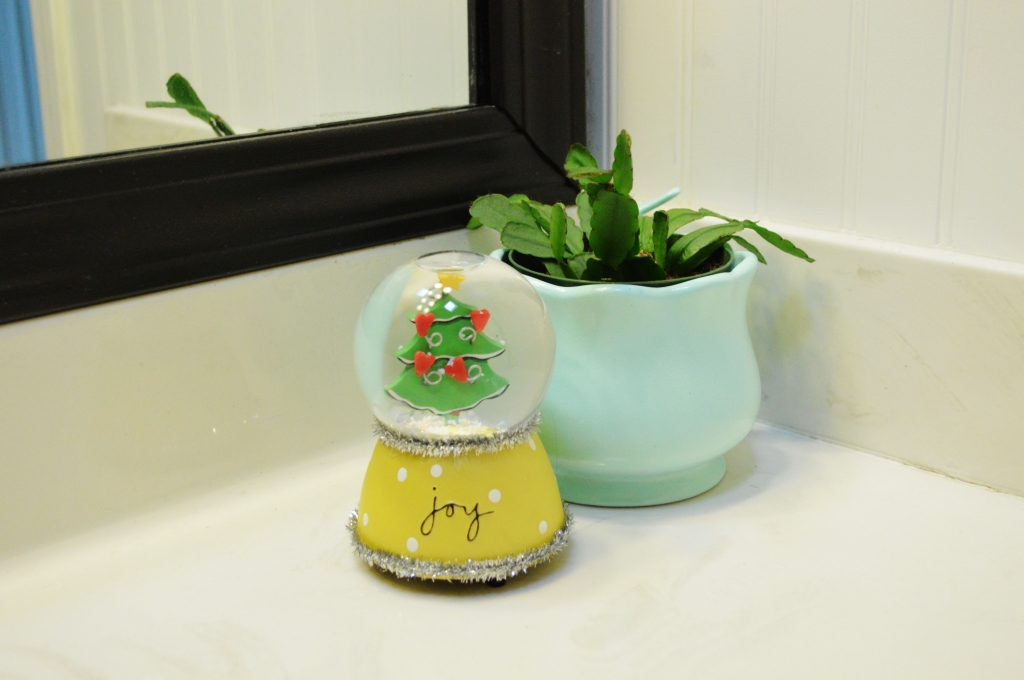 Christmas Decor 2015 Bathroom