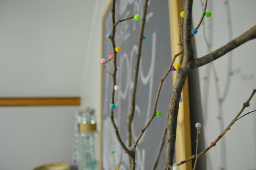 winter mantle sunshine chalkboard pom pom tree 2