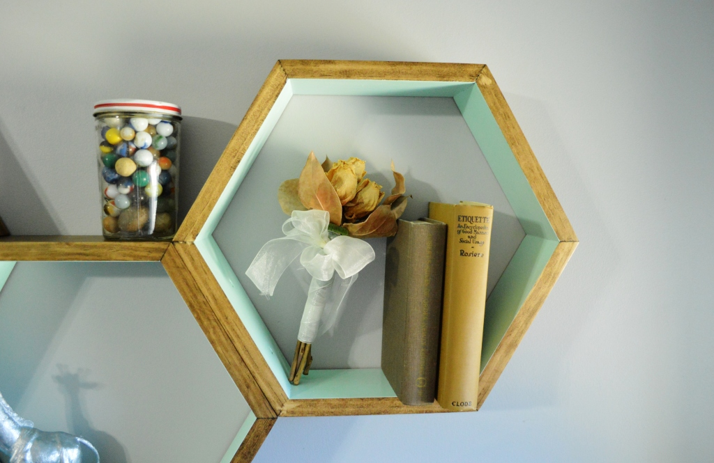 DIY Honeycomb Shelves Decor Antique Ettiquite Book Dried Flowers