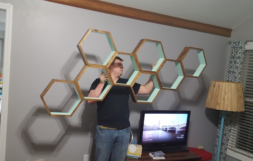DIY Honeycomb Shelves Hanging Prep
