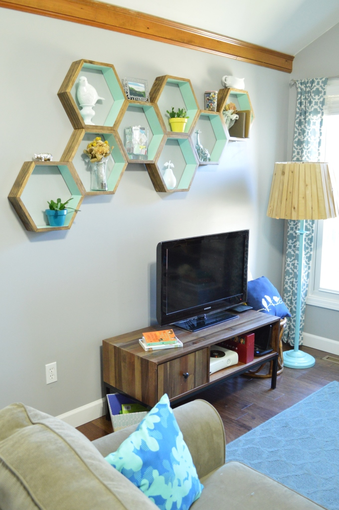 DIY Honeycomb Shelves Living Room 2