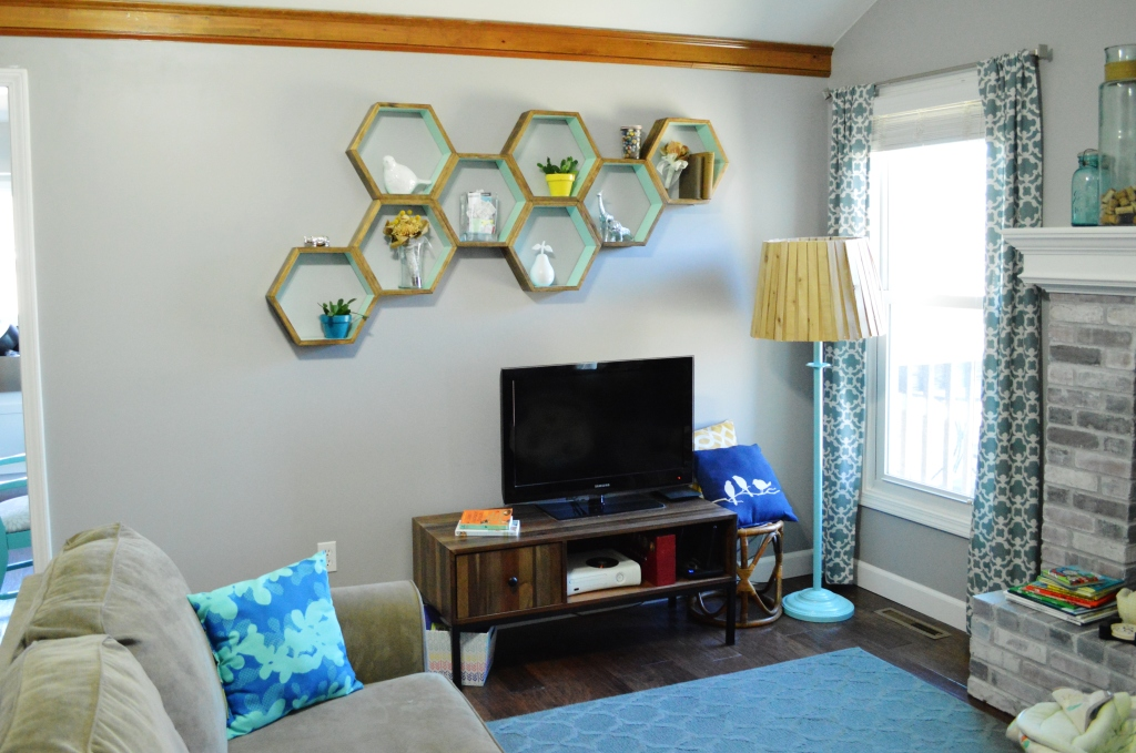 DIY Honeycomb Shelves Living Room 5