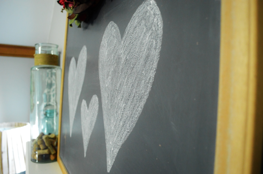 valentine mantle chalkboard hearts decor 2016