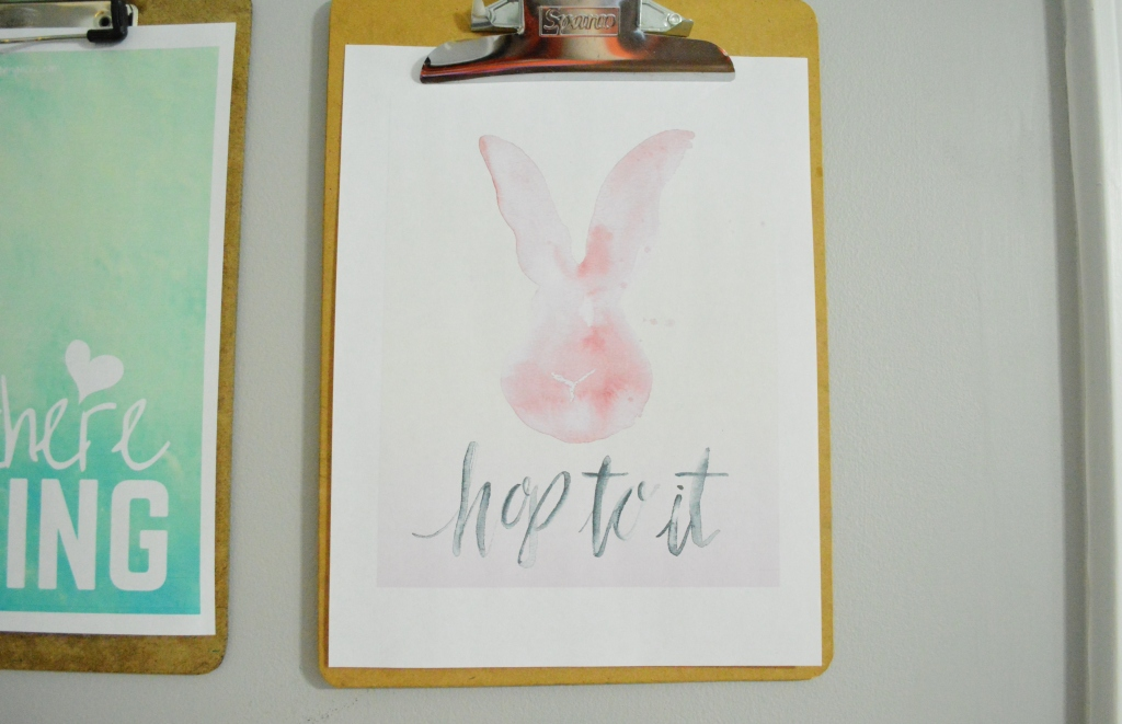 Clipboard gallery wall spring free printables with Easter bunny free printable
