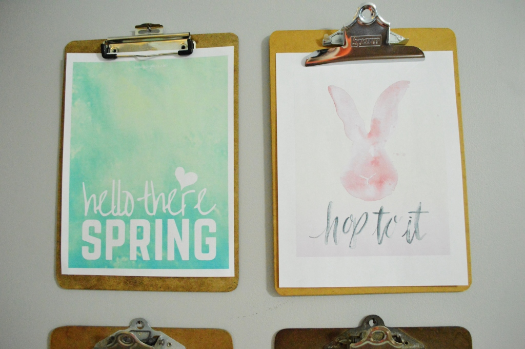 Clipboard gallery wall spring free printables with Easter bunny printable