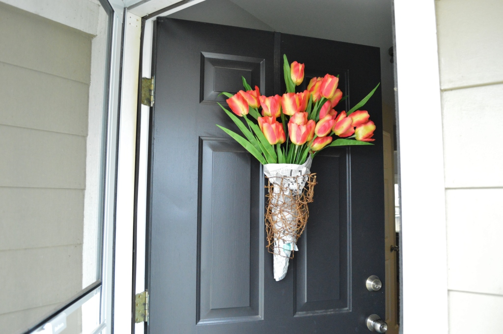 DIY Newsprint Wrapped Tulip Wreath for Front Door 2