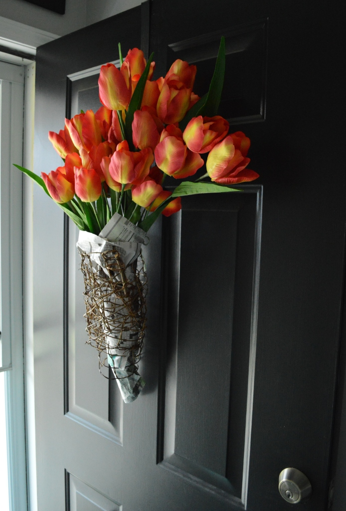 DIY Newsprint Wrapped Tulip Wreath for Front Door 3