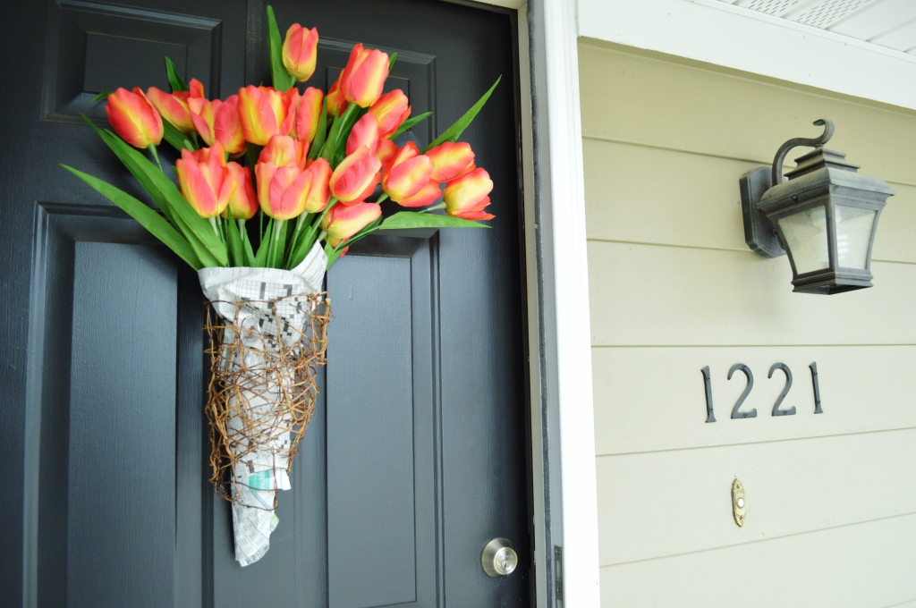 DIY Newsprint Wrapped Tulip Wreath for Front Door 5