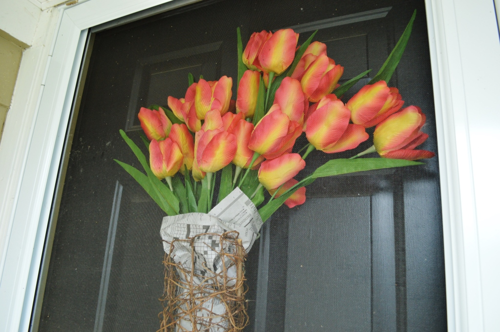 DIY Newsprint Wrapped Tulip Wreath for Front Door 7