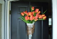 DIY Newsprint Wrapped Tulip Wreath for Front Door 8