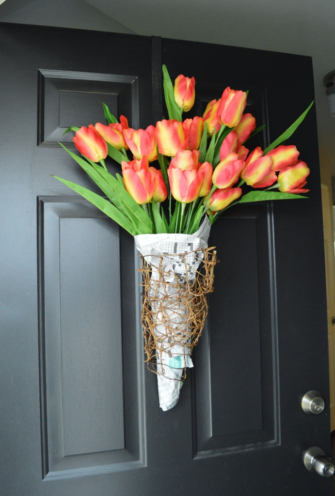 DIY Newsprint Wrapped Tulip Wreath for Front Door