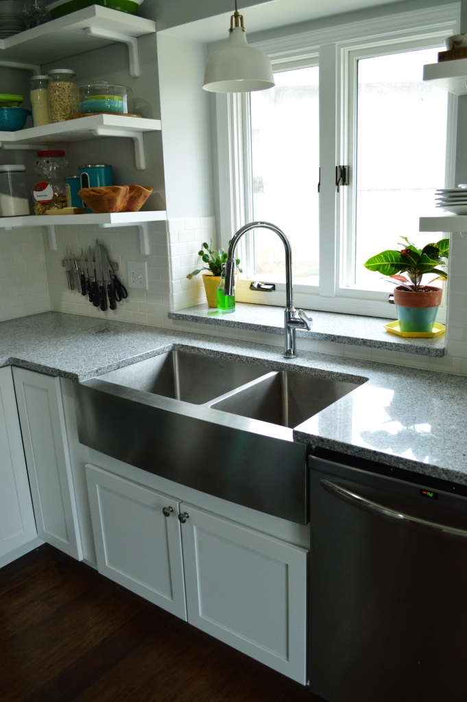New garbage disposal in farmhouse sink 4