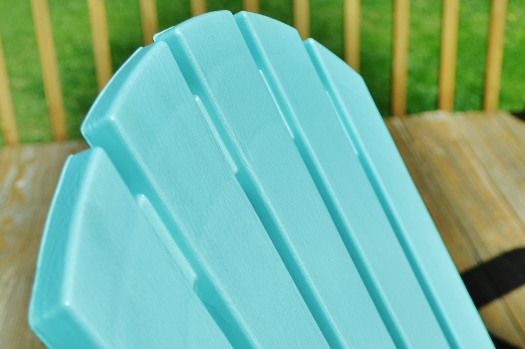 Turqouise Painted Plastic Deck Chairs 4