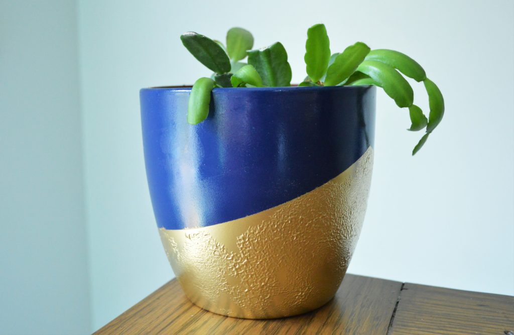 Bubbled Textured  Gold Spray Paint Finish on Flower Pot 2