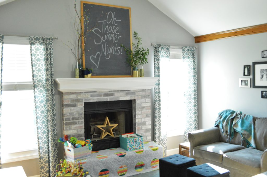 Summer chalkboard quote with Mantle Decor 2