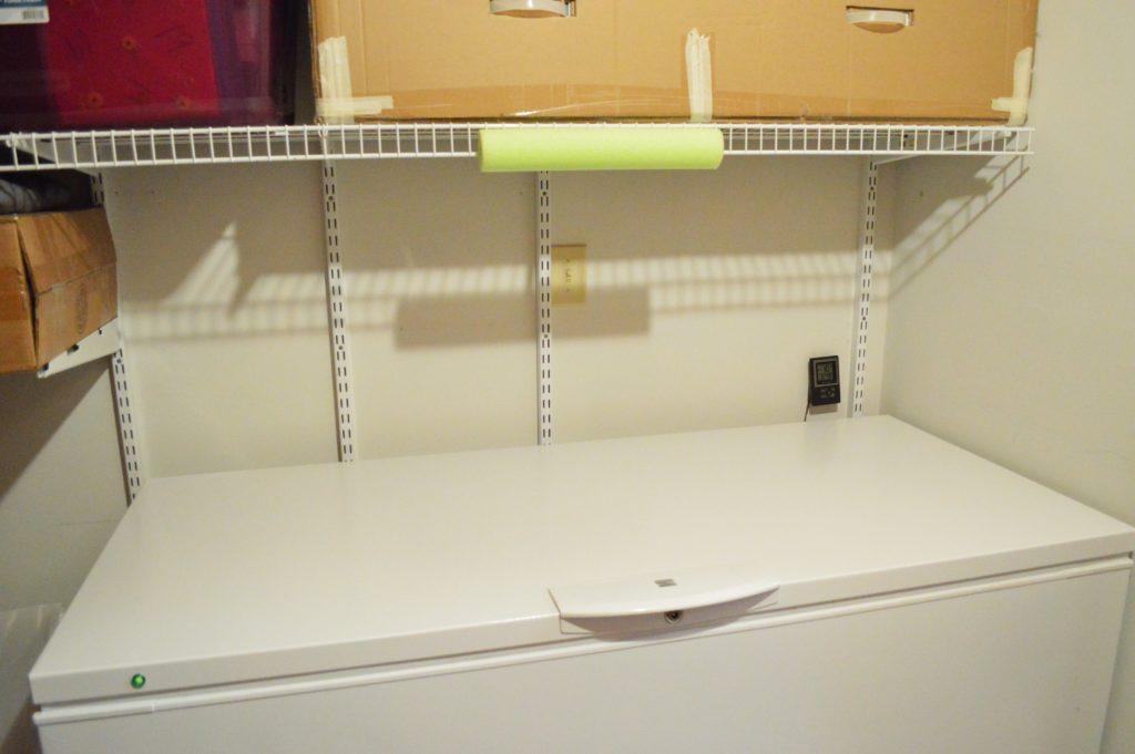 freezer-door-pool-noodle-fix