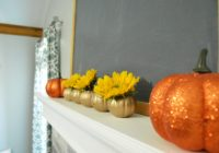 simple-halloween-mantle
