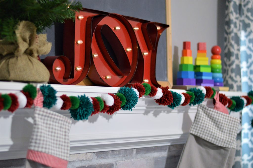 christmas-mantle-with-toys